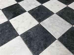 Damier Noir Et Blanc : carreaux marbre vieilli damier noir et blanc bca ~ Dallasstarsshop.com Idées de Décoration