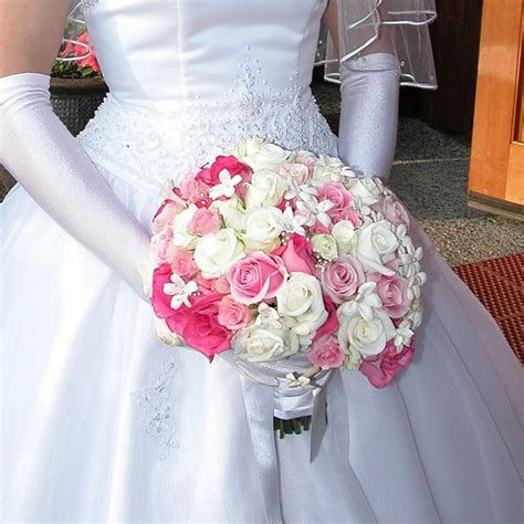 cheap flowers for wedding wholesale flowers for wedding the wedding specialiststhe wedding specialists