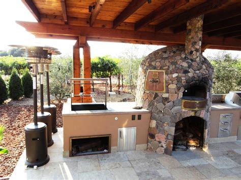 outdoor kitchen pizza oven design how to design outdoor kitchen with pizza oven to make it 7243
