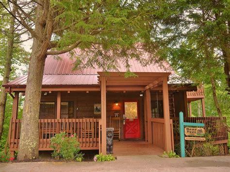 Great Gatlinburg Location! Lovely Log Cabin Vrbo