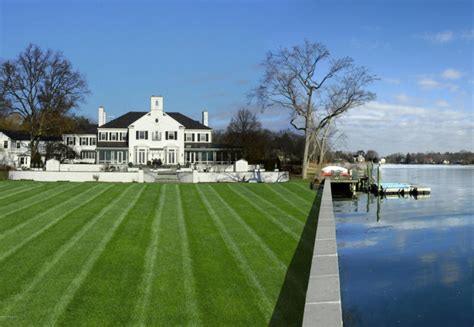 Live Like Donald Trump's Former Weekend Estate Listed At