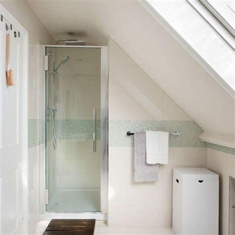 Kleines Badezimmer In Dachschräge by Kleines Bad Mit Dachschr 228 Ge Gestalten