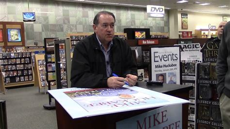 barnes and noble johnson city tn mike huckabee at barnes and noble in johnson city tn 01