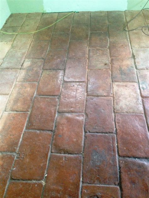 quarry floor tiles quarry tiled floor cleaned and sealed in ashtead east surrey tile doctor