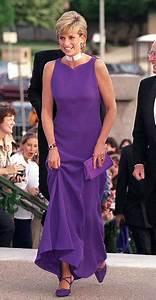 Princes William and Harry announce Diana sculptor