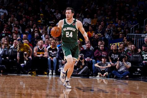 Report: Pat Connaughton Tested Positive for COVID-19 ...