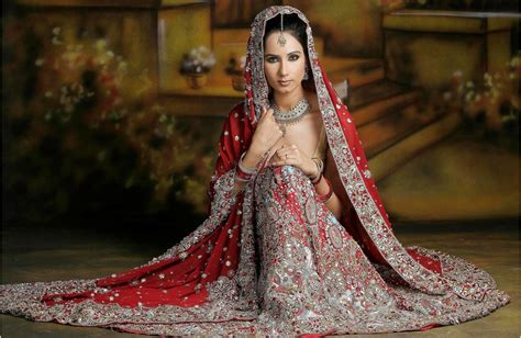 27 Traditional Indian Bridal Dresses