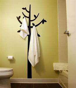 Beautiful bathroom towel display and arrangement ideas for How to decorate a bathroom wall