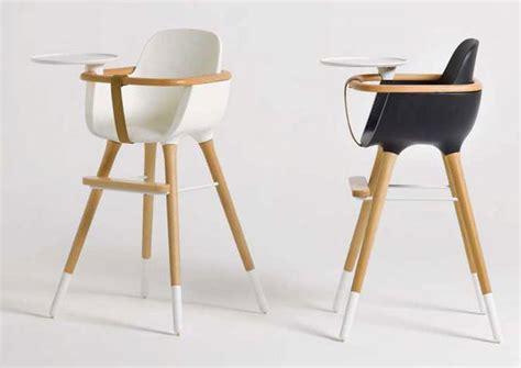 chaise bebe en bois comment repeindre une chaise haute de bébé en bois le