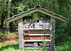 Landhaus Garten Blog : insektenhotel f r den garten selber bauen video anleitung und beispielbilder ~ One.caynefoto.club Haus und Dekorationen