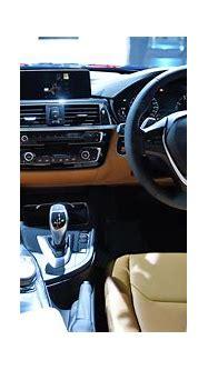 BMW M3 Sedan 2018 STD Interior Car Photos - Overdrive
