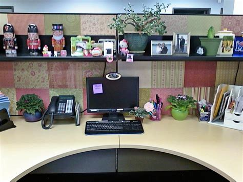 work desk decoration ideas this lady decorated the walls of her cubicle with