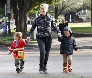 Amy Poehler Spends A Rainy Day With Her Boys | Celeb Baby ...