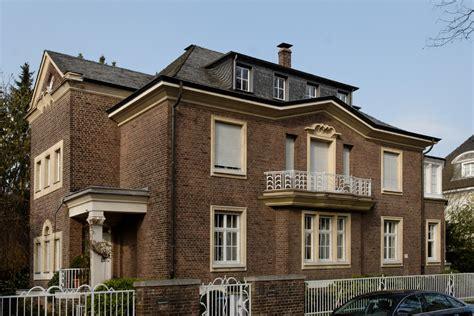 Filehaus Meliesallee 24 In Duesseldorfbenrath, Von