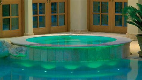 10 Irresistible Health Benefits Of Spa Baths