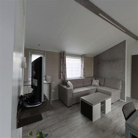 chambre 2 lits amenagement chambre 2 lits décoration de maison