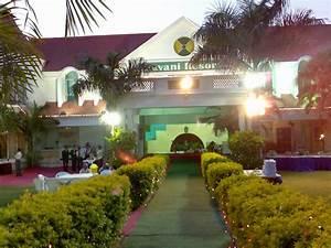 Pavani Resort In Moinabad