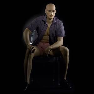 Mannequin De Vitrine : mannequin de vitrine homme r aliste assis mannequin d 39 talage masculin ~ Teatrodelosmanantiales.com Idées de Décoration