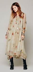 Robe Longue Style Boheme : robe mi longue boheme volante beige a fleur et manches ~ Dallasstarsshop.com Idées de Décoration