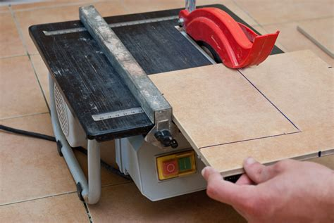 cutting tile how to cut tiles with a wet saw howtospecialist how to build step by step diy plans