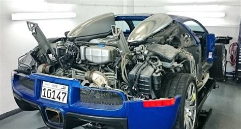Bugatti Veyron V16 Engine by Stripped Bugatti Veyron Prepares For Carbon Panels And