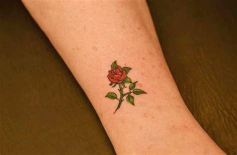 Cute Small Hip Tattoos cute small flower tattoo design weneedfun 600 x 393 · jpeg