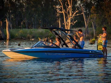 Fishing Boat Hire Mildura by Boating And Sailing Outdoor Activities Victoria Australia