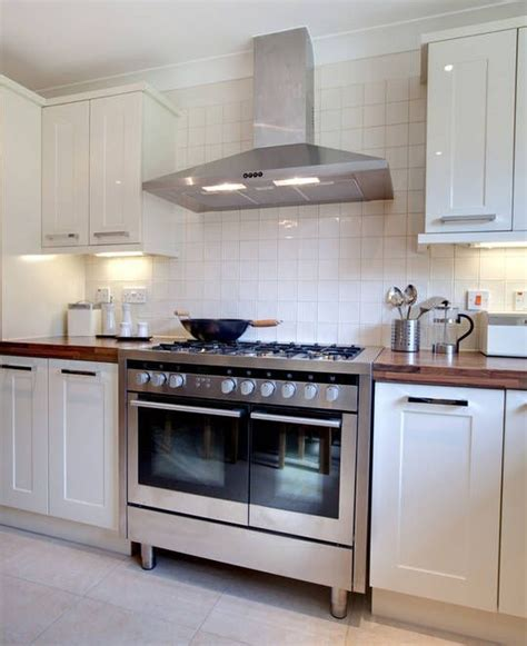 kitchen stove top exhaust fans 17 best images about kitchen exhaust fan on pinterest