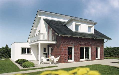 Weberhaus Pultdach Versetzt; Wohnen Mit Genug Platz Für
