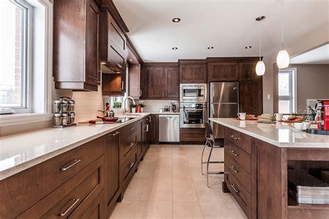 quincaillerie armoire de cuisine projet cuisine intemporelle et chaleureuse armodec