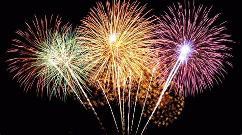 Colored-Fireworks-4th-of-July-4K-Wallpaper