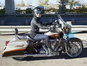 Women Riders Harley Street Glide Pics