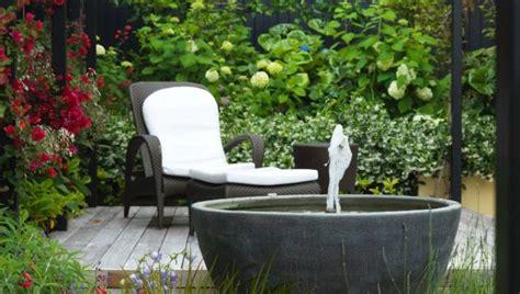 turn  tiny garden   green oasis stuffconz