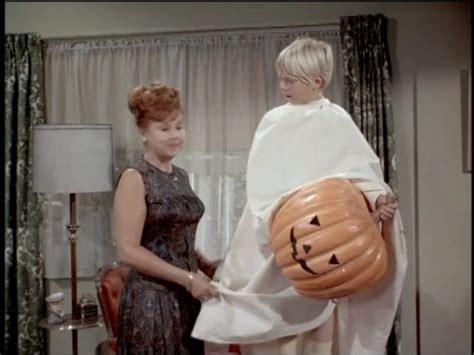 bewitched  safe  sane halloween tv episode