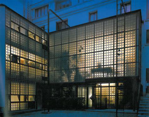 le verre acteur et synonyme de modernit 233 la maison de verre par chareau le verre ou