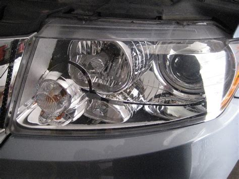 jeep grand headlight bulbs replacement guide 014