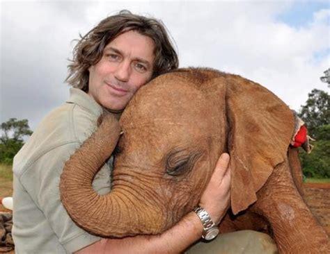 animals hugging   warm  heart