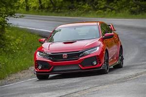 Honda Civic R : it 39 s official 2017 honda civic type r starts from 33 900 188 pics carscoops ~ Medecine-chirurgie-esthetiques.com Avis de Voitures