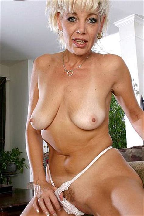 Nude Older Retro Woman Recruitmount Com