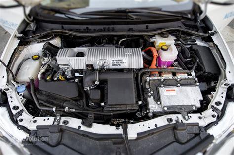 toyota auris hybrid tested  autoevolution