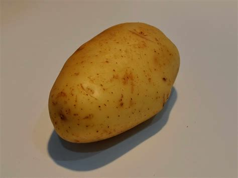 picture white potatoes vegetable white table