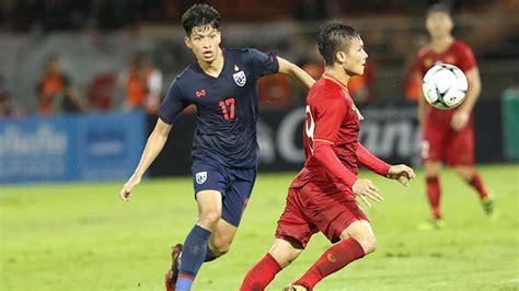 Đội dẫn đầu 8 bảng và 4 đội nhì bảng có thành tích xuất sắc mới được lọt vào vòng loại thứ 3 nên đội tuyển việt nam cần ít nhất 5 điểm trong 3 trận đấu ảnh: Lịch thi đấu vòng loại World Cup 2022. Bảng xếp hạng bóng đá Việt Nam - Thái Lan   TTVH Online