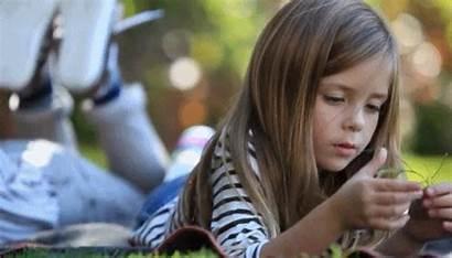 Gifs Mia Child Hays Reading Actor Actors