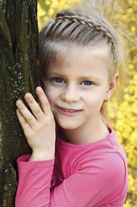 Coiffure Enfant Tresse : coupe de cheveux court pour petite fille ~ Melissatoandfro.com Idées de Décoration