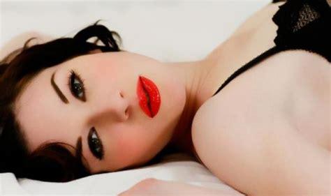 Мне не идет красная помада Все визажисты в один голос твердят Красная помада идет всем!