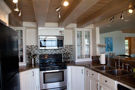 nautilus vacation rental kitchen   southern oregon