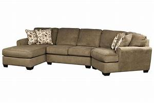 Patola park 3 piece cuddler sectional w laf corner chaise for Sectional sofa with cuddler and chaise
