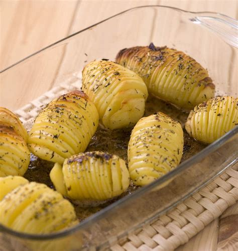 pommes de terre roties  la suedoise hasselback potatoes