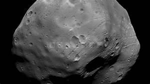 Phobos (moon) - Wikipedia