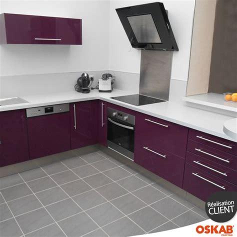 cuisine grise et aubergine cuisine aubergine modèle keria aubergine brillant